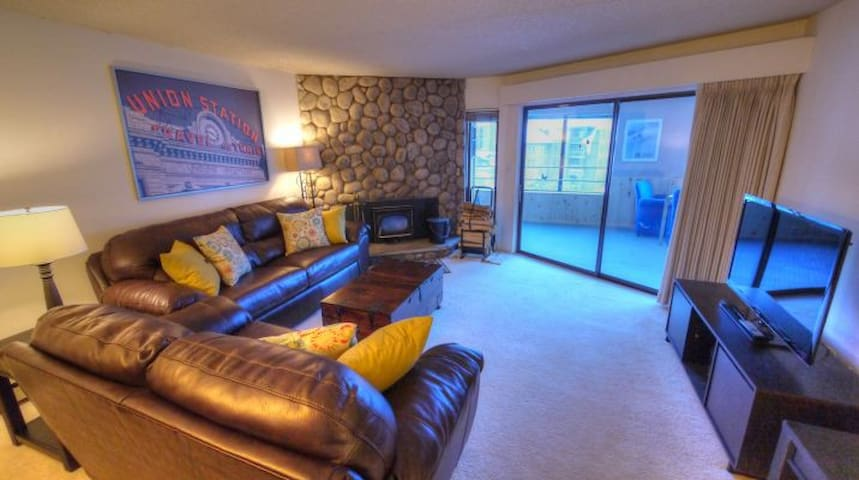 BE308 Beautiful Condo With Amazing Location! 2BR - Copper Mountain - Apartemen