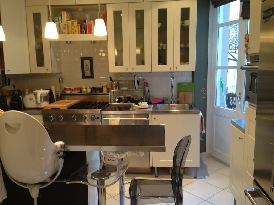 Semi-professional kitchen with highchairs for babies/toddlers