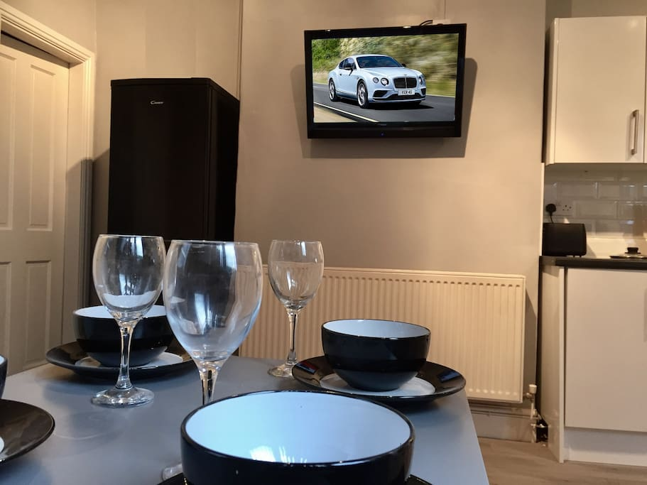 Dining area / Kitchen with flat screen TV