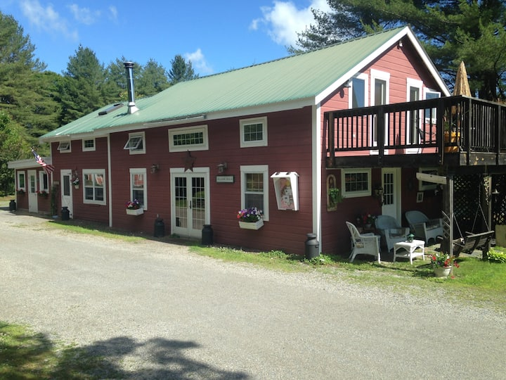 Beautiful remote country Inn all to yourselves !