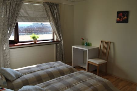 Close to the Blue Lagoon (5 min) - Bed & Breakfast