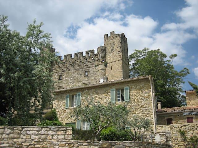 Dépendance Château - Castelnau-Valence - Huis