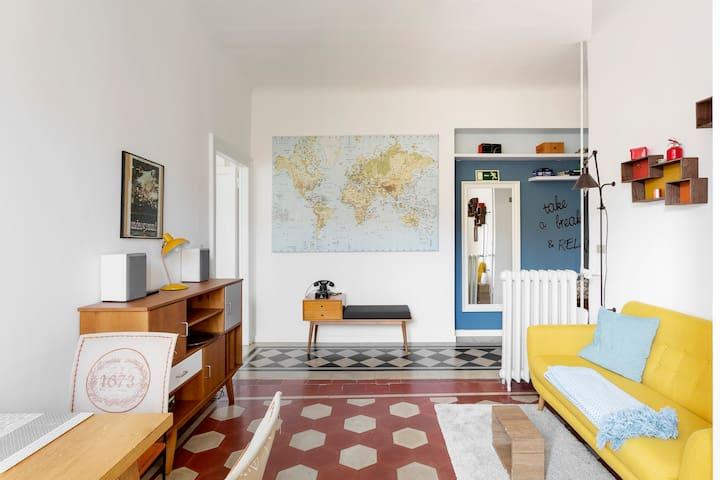 Take a break ツ Artsy house in Tortona
