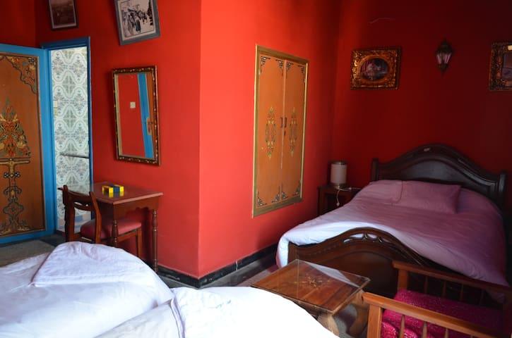 Hôtel Sahara : Three  Bed Room ( 3 Adult ) - Essaouira - Bed & Breakfast