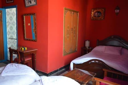 Hôtel Sahara : Three  Bed Room ( 3 Adult ) - エッサウイラ