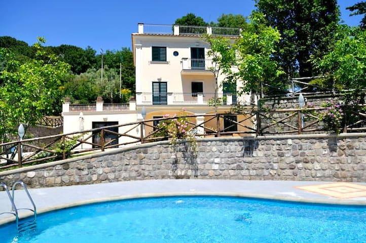 Villa Gold in Massa Lubrense - Sant'Agata sui Due Golfi