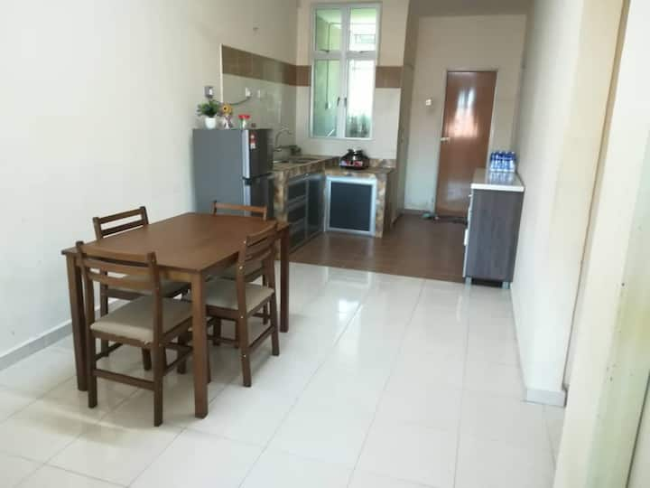 Cheap, spacious and cozy Homestay up to 9 people