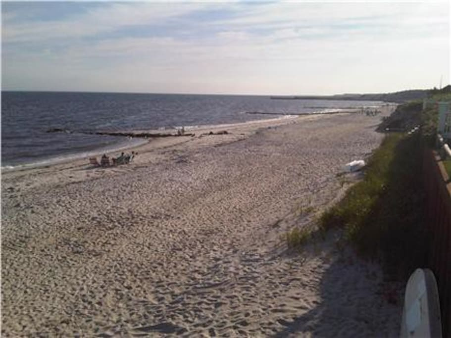 Atlantic Beach - 1 min walk to the beach (at the end of the street)