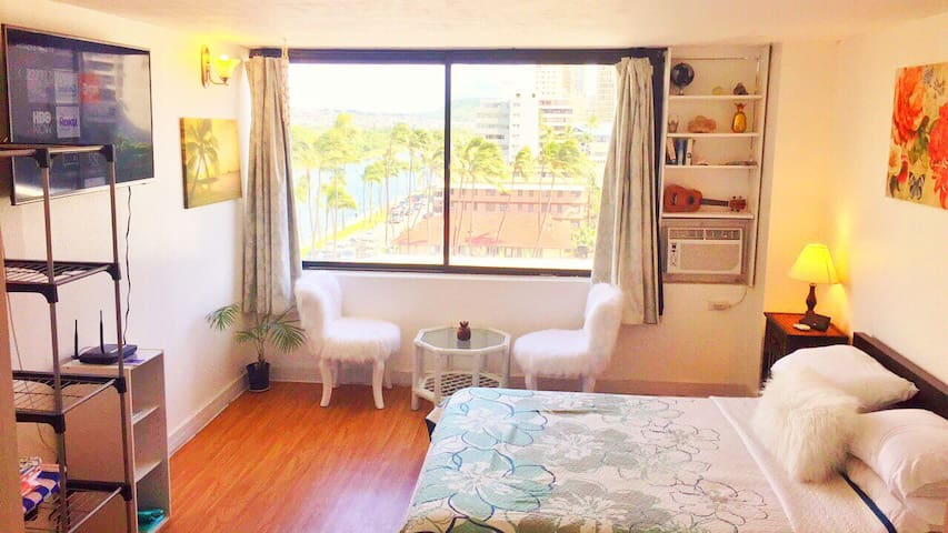 #Waikiki Beach Fabulous Studio with Amazing view