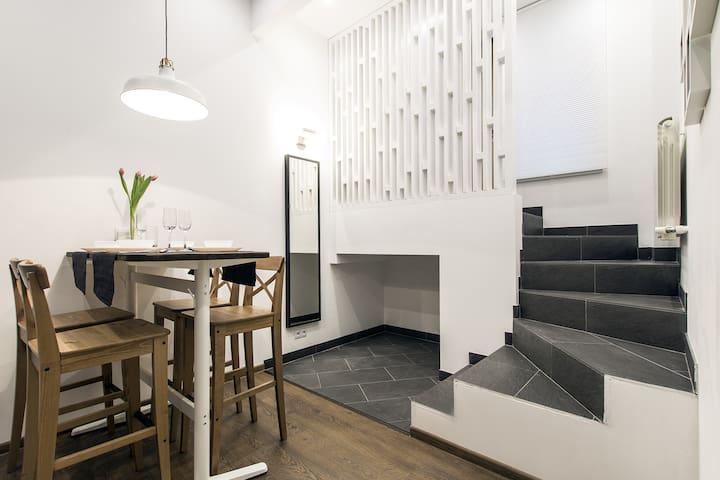 Дизайнерские апартаменты в Коломягах - Pietari - Hotellipalvelut tarjoava huoneisto