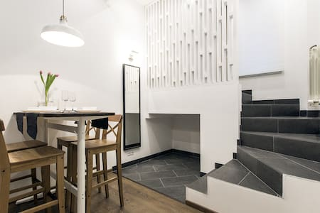 Дизайнерские апартаменты в Коломягах - San Petersburgo