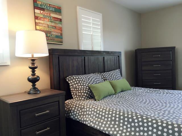 cozy&clean room 1 - Ранчо-Кукамонга - Дом