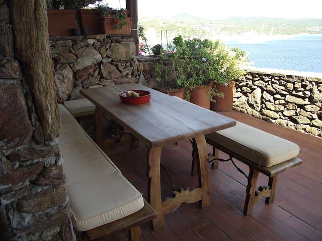casa sul mare vista mozzafiato - Porto Rotondo - Lägenhet