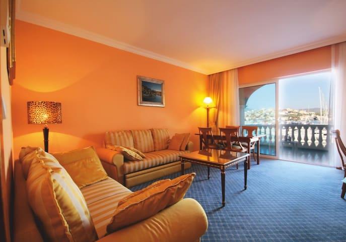 Hotel Kopno Rogoznica Marina Frapa - โรกอสนิก้า - ที่พักพร้อมอาหารเช้า