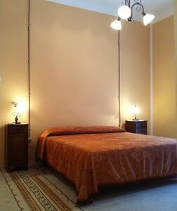 Camera Matrimoniale Bagno Privato - Marsala