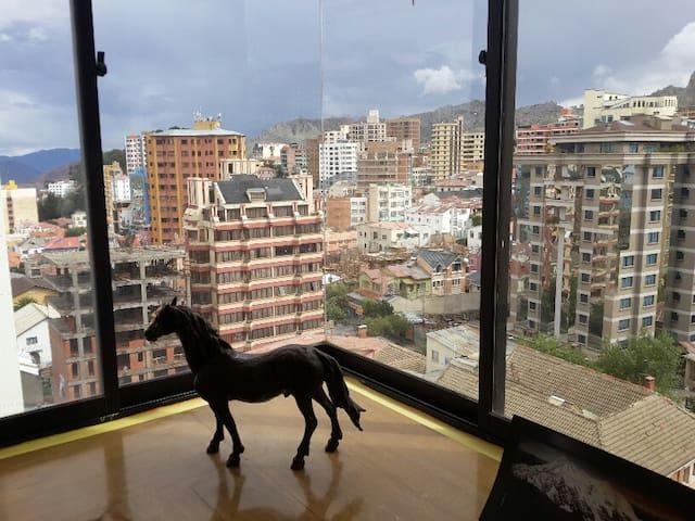 Downtown, Amazing Views, Beautiful & Sunny. - La Paz