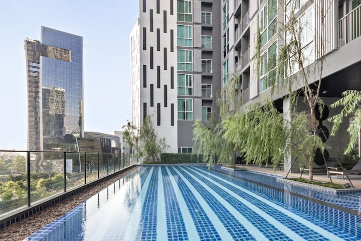 Eazyliving  50m to Subway & Airport Link Inner BKK