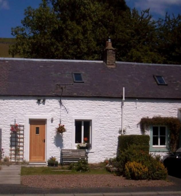 Galabank Cottage, self catering holiday cottage in Scotland Sleeping 2, Cottage Holiday Group
