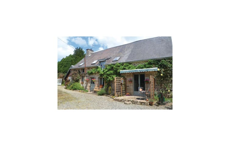 Holiday cottage with 3 bedrooms on 148 m² in Les Loges Marchis