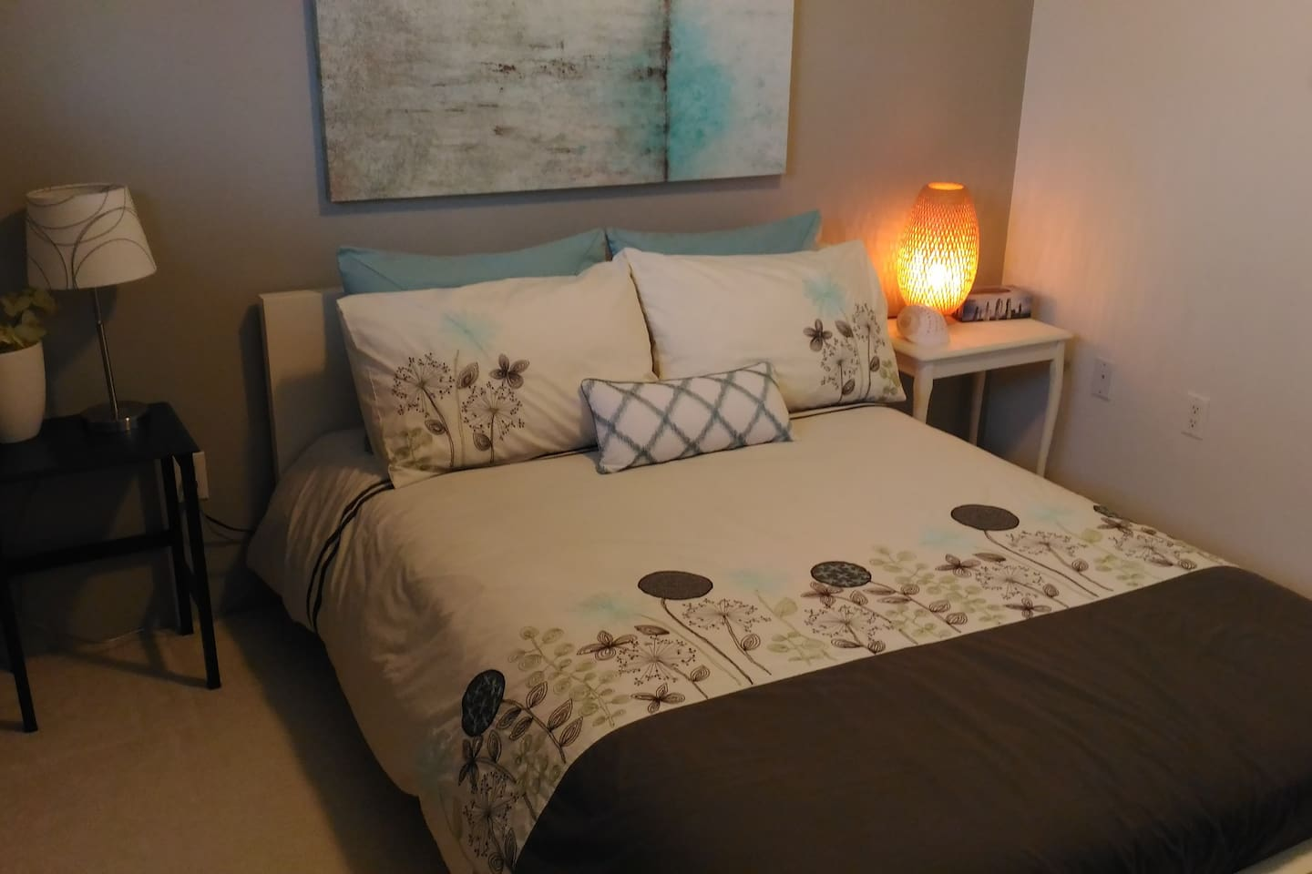 Comfy double bed with high quality cotton linens