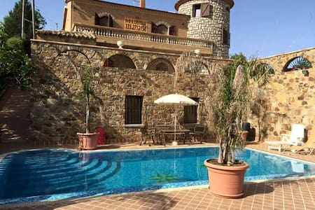 Bellissima villa...comfort e relax - Piazza Armerina - Aamiaismajoitus