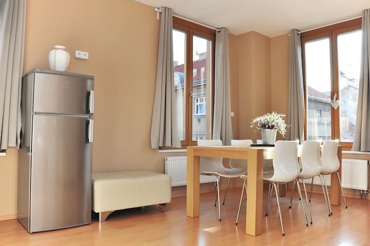 New Modern App 6mins to city centre - Prague - Apartment