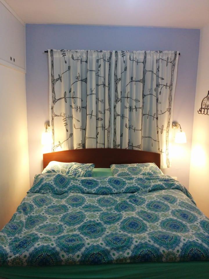 Cosy room in Reut