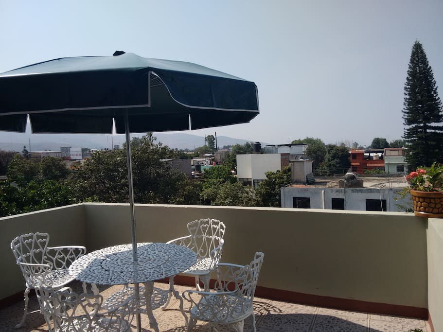 small terrace / pequeña terraza