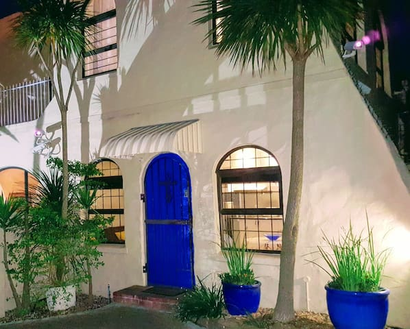 Tygerberg Hills Blue Doors guest apartments