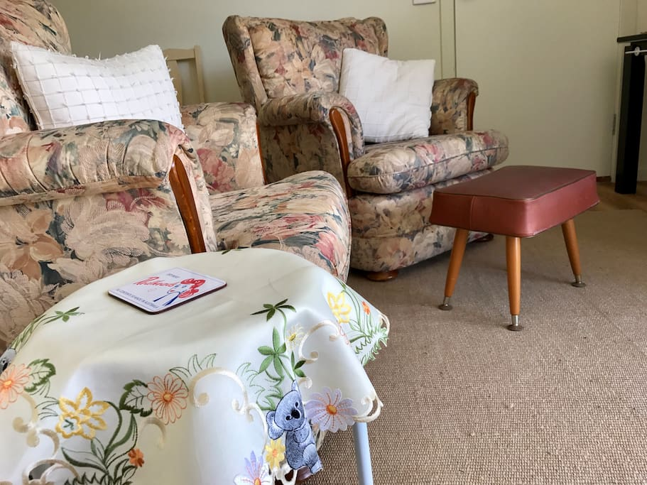 Cosy comfort for reading, chatting, games or TV.