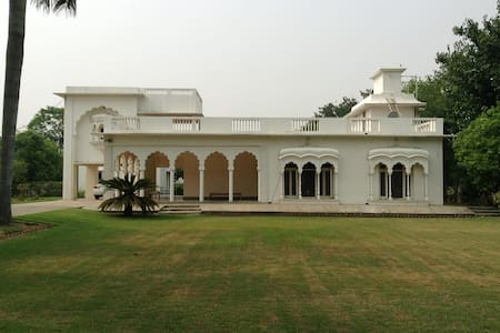 Large, fully furnished heritage villa for rent - Villa