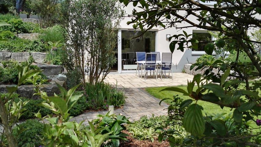 Schöne ruhige 2 Zimmer Wohnung in der Natur - Glashütten - Apartment