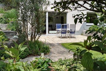 Schöne ruhige 2 Zimmer Wohnung in der Natur - Glashütten