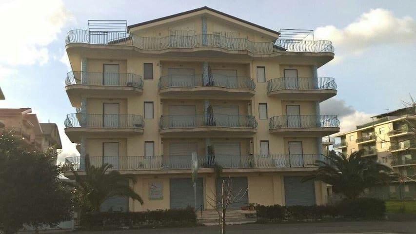 Cirò  Marina suite - Cirò Marina - Lejlighed