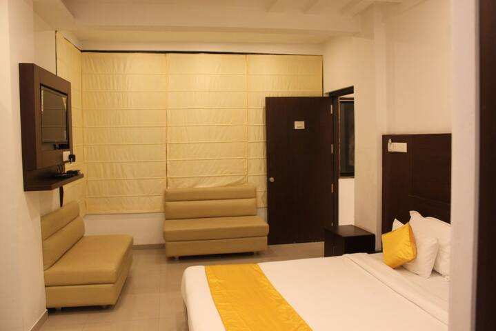 JK Rooms-Dhantoli Stadium Nagpur +Free B/F. & WIFI