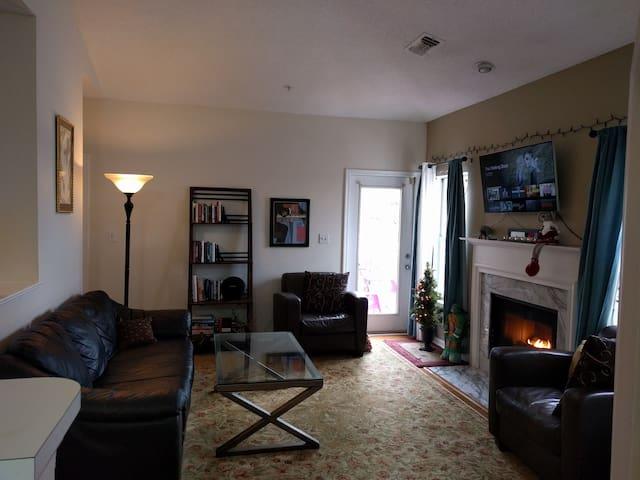 Single Bedroom In Luxury Cond - Reston Town Center - Reston - Lägenhet