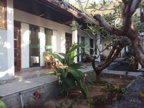 Wawa Wewe 1 Hostel # 2 -50m from the beach - Amed