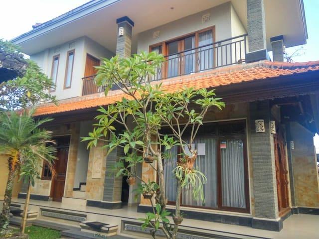 Tutiet House