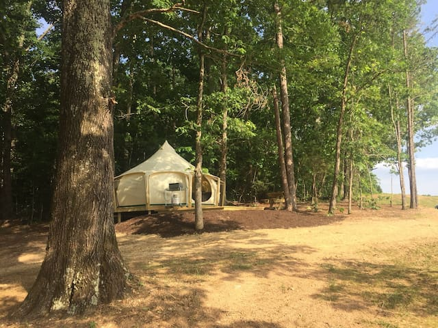 Wolftrap Farm Glamping Tent #3 - Fully Furnished