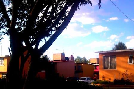 Comfy house close to Pyramids and Mexico City - San Francisco Coacalco