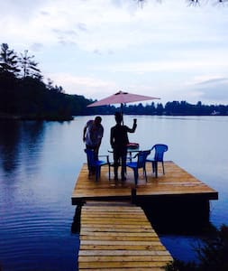 Beautiful calm lakefront chalet - Sainte-Marcelline-de-Kildare - Ház