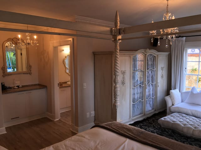 Fantastic Room Cape Town