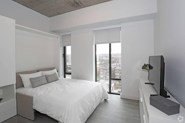 3-Bedroom Micro-Suite w/Free Parking #508