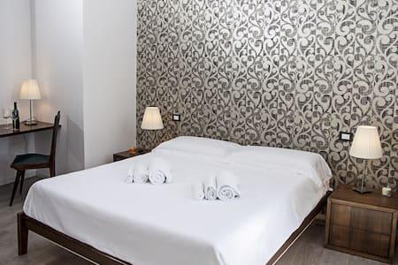 B & B Pica Pica - double room Calendula - รากูซา - ที่พักพร้อมอาหารเช้า