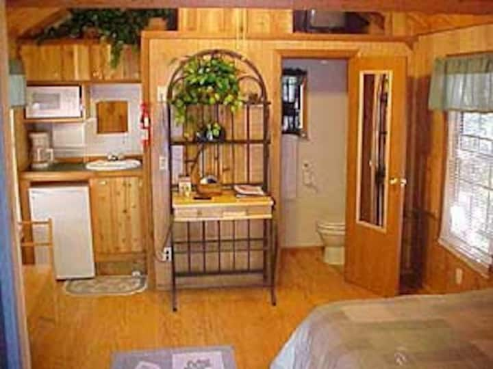 The Lazy Z Resort - Two Person Cottage