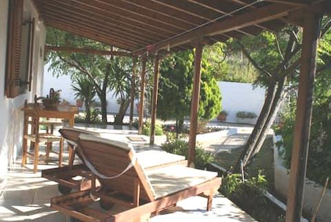 Villa Larios 1 minute from kolios beach