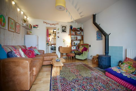 Quirky, Spaceous Self Contained Flat in Parkstone