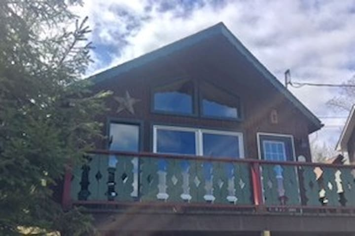 Cozy and Convenient Mountain Cabin - Union Dale - Houten huisje