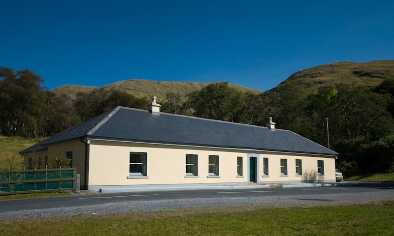 Aasleagh Cottages, Connemara - Leenane