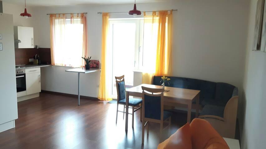 Apartment vor den Toren Wiens mit Balkon